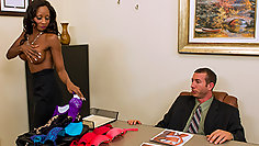 Ebony secretary came to boss with a proposal to sit on his cock